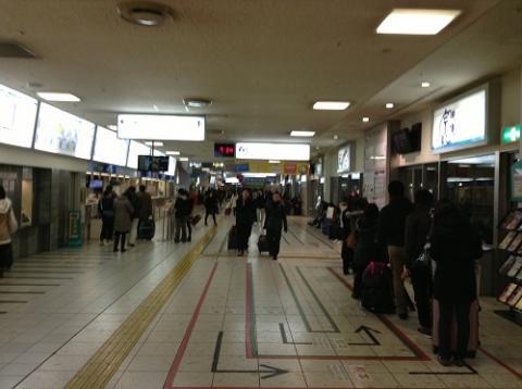 天神バスセンターから「長崎駅前行き」のバスで長崎県営バス長崎ターミナルに移動した