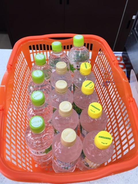 セブンイレブンのファイナルファンタジーXIVのキャンペーンで大量の水を買う人続出中?
