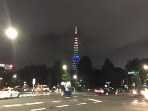 東京タワーライトアップ ダイヤモンドヴェール-御成門駅前交差点にて