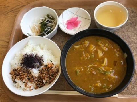 名古屋法務局11階のレストラン「大濃」のカレーきしめん定食がおいしい