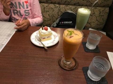羅座亜留で中学1年生の娘とデートして監視カメラ導入の話をする