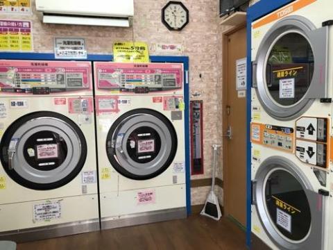 コインランドリーで洗濯物を早く乾かす方法