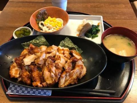 岡山名物 とりめしを岡山県庁前の食堂・味工房四季で食べた感想