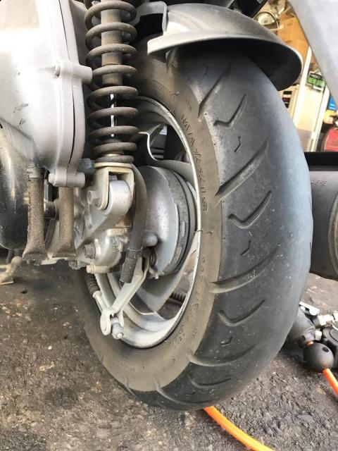原付のエンジンオイル交換の目安とタイヤ交換の目安