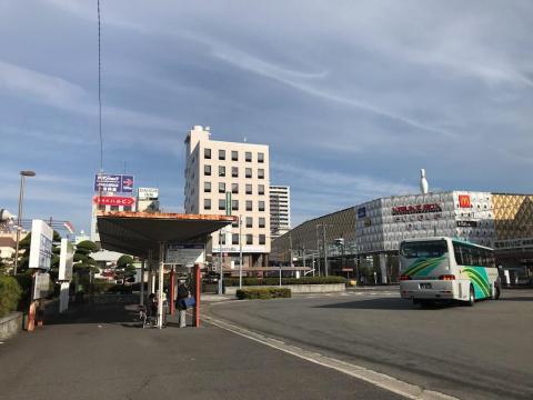 松山駅から福山駅までバスで移動した場合の料金と所要時間等