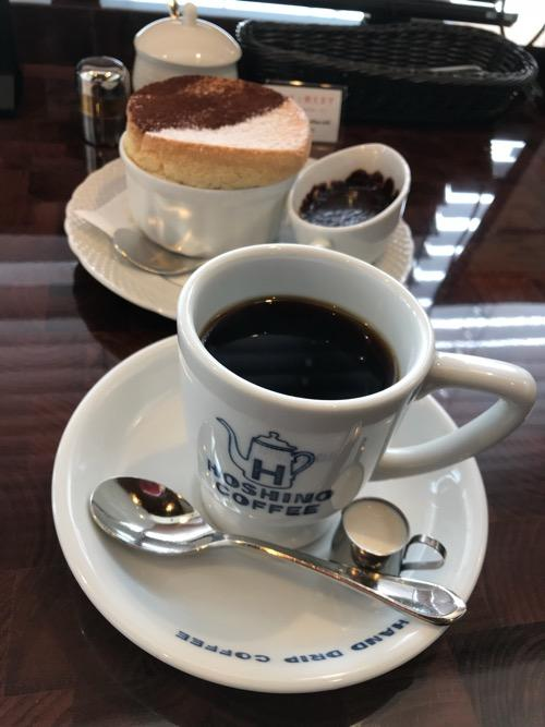 星乃珈琲店のコーヒーと窯焼きスフレ(バニラのスフレ チョコレートソース)