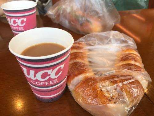 パン・メゾン松前店の無料のホットコーヒー