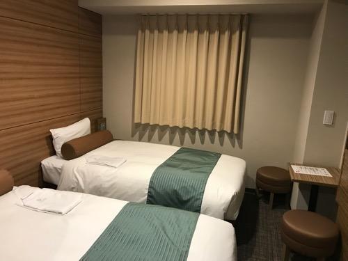 ヴィアイン名古屋新幹線口のエコノミーツインのベッド