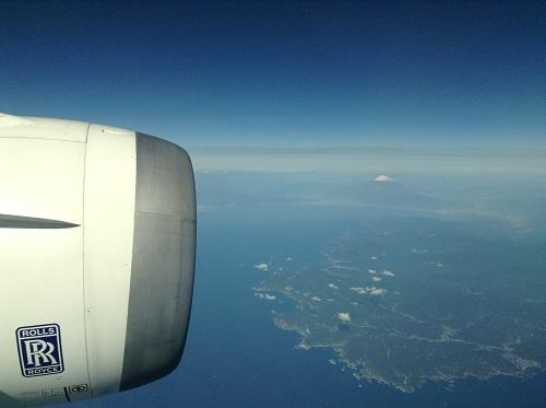 飛行機(ANA584便)から眺める富士山と伊豆半島