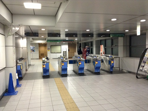 ゆりかもめ新橋駅の改札口