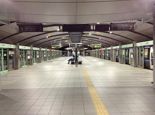 ゆりかもめ新橋駅ホーム