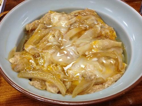 萩の茶屋(愛媛県新居浜市繁本町7-8)の「玉子丼」