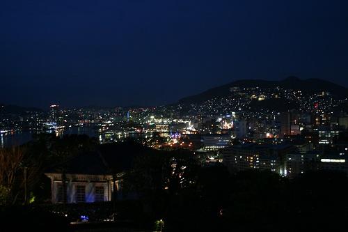 グラバー園・旧三菱第2ドックハウス展望広場から眺めた長崎市街、長崎港の風景(夜景)