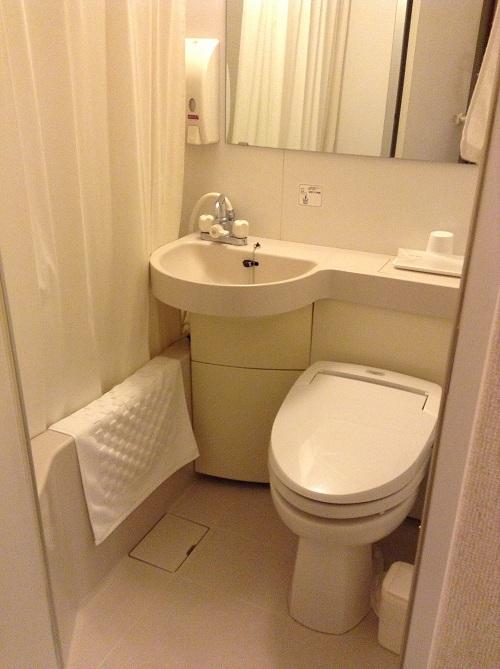 エクストールイン 熊本水前寺(熊本県熊本市出水1-6-16)のシングルルーム室内(浴室-ユニットバス、トイレ、洗面台)