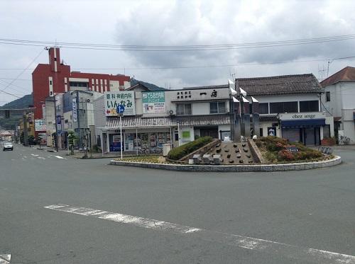 伊予大洲駅の駅前の景色