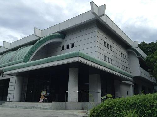 松山市考古館(愛媛県松山市南斎院町乙67番地6)の外観
