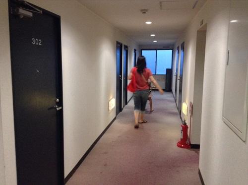 ホテルセレクト愛媛愛南町(住所:愛媛県南宇和郡愛南町広見3367-1)の客室前廊下