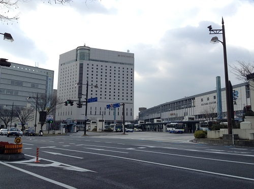 JR岡山駅前(お昼頃)