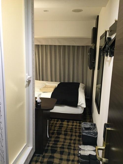 アパホテル新橋御成門の客室内ー入口付近より