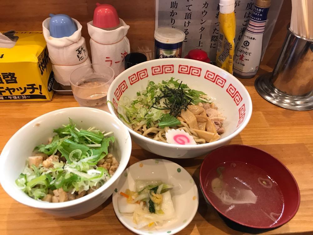 東京油そば 味のとんちん軒の東京油そば、ミニ豚丼セット