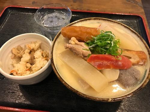 岡山県庁前の食堂・とよ香の味噌しっぽくうどん