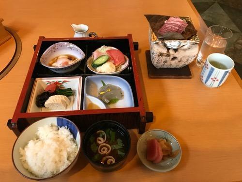 飛騨古川スペランツァホテルの飛騨牛付きの朝食