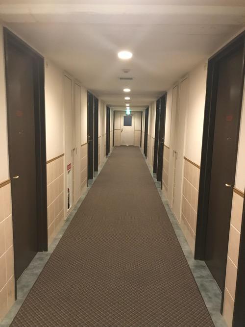 グレイスイン名古屋の客室前の通路
