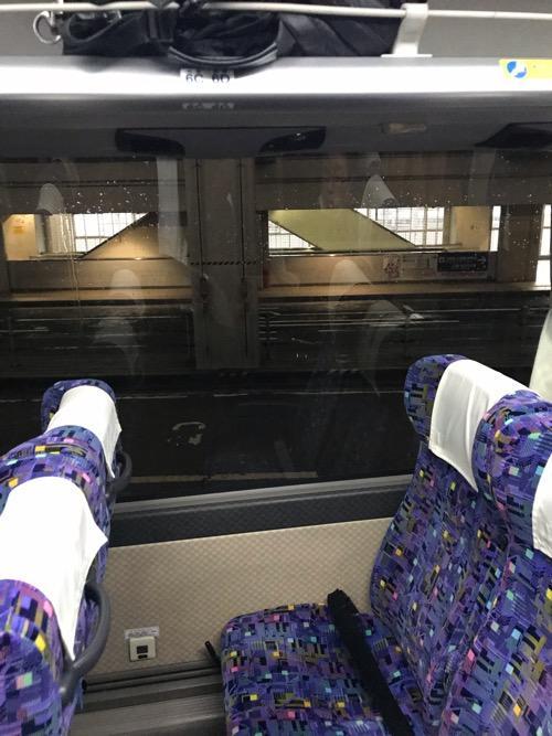 名古屋からの高速バス「超特急 飯田」の車内設備(座席と窓)
