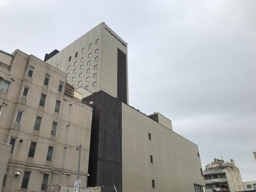 ホテルニューオータニ高岡の建物外観(日中帯の風景)