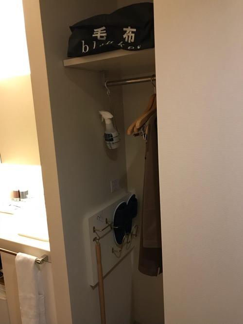 天然温泉 加賀の湧泉 ドーミーイン金沢の禁煙様ダブルルーム室内のクローゼット