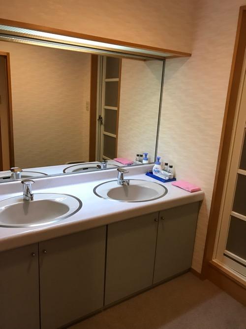 飛騨古川スペランツァホテルの和室タイプの客室の洗面所