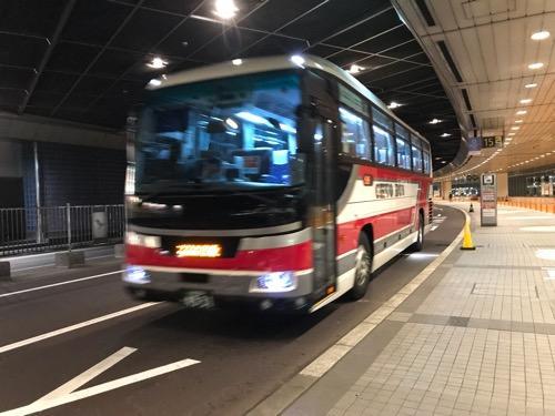 新千歳空港空港14番乗り場にやってきた札幌都心ゆきの中央バス