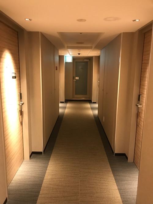 ヴィアイン名古屋新幹線口の客室前通路