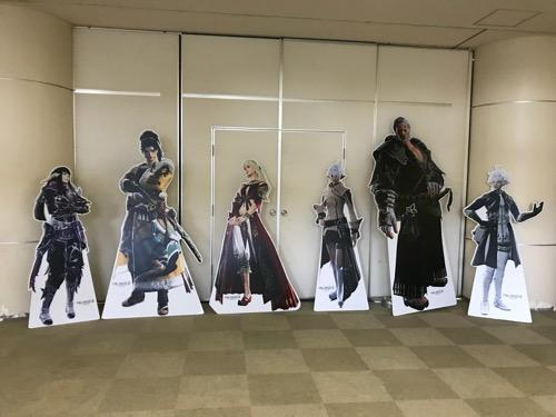 FINAL FANTASY XIV Full Active Time Event (松山市コミュニティセンター企画展示ホール内)の等身大のキャラの看板