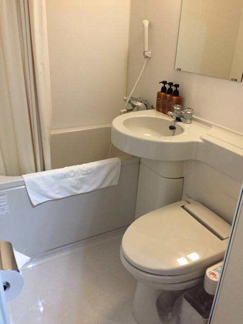 ABホテル名古屋栄(客室内のトイレ、洗面台、シャワー付浴槽)