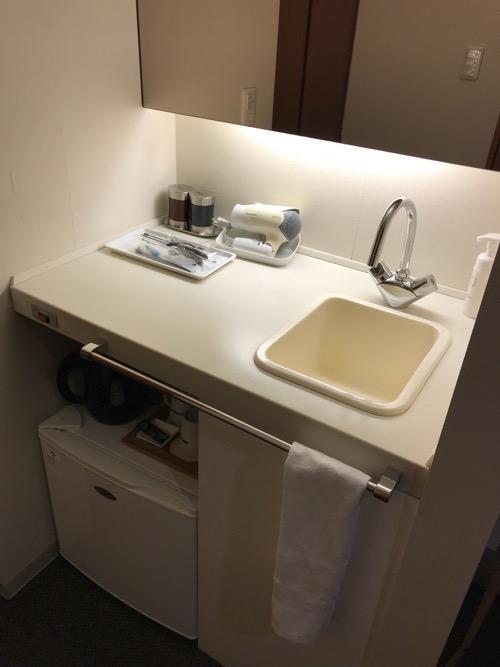天然温泉 加賀の湧泉 ドーミーイン金沢の禁煙様ダブルルーム室内の洗面台