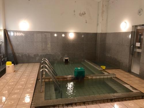 湯之谷温泉の大浴場(男湯)