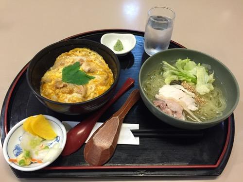 比内地鶏の親子丼と田沢湖冷麺セット
