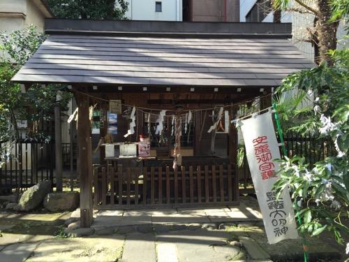 東京都港区新橋の盬竃神社(塩釜神社)-拝殿