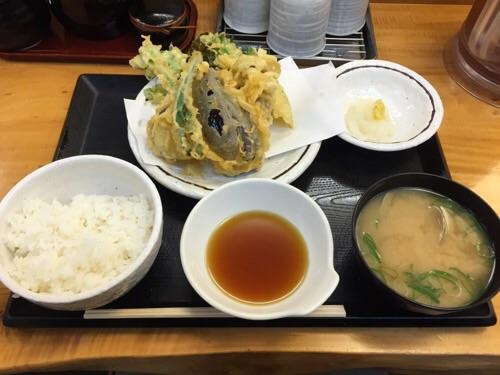 天丼あきば新橋店で注文した野菜天定食