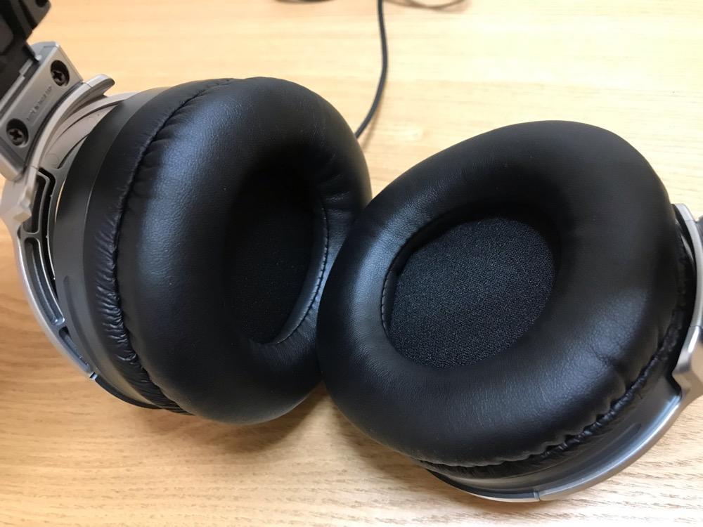 SONY STEREO HEADPHONES MDR-XD200に取付けた非純正イヤーパッド