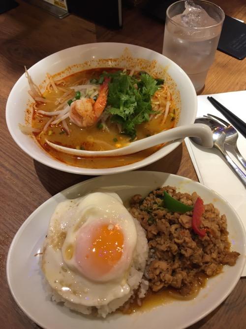 タイ料理 サイアムオーキッドのトムヤムクンラーメン&ガパオライスのセット