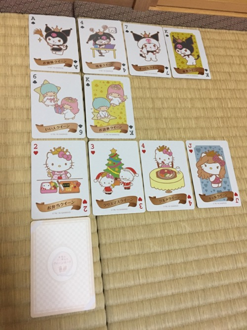 女性を甘く称えるサンリオキャラクター「クイーンカード」(トランプ)10種類