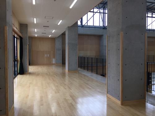 余土中学校の新体育館の2階