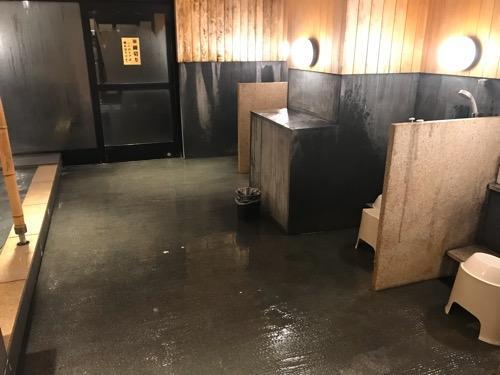 エクストールイン西条駅前「うちぬきの湯」男湯の浴室内