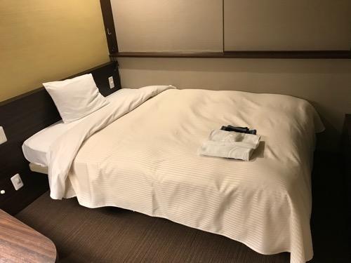 名古屋クラウンホテルのシングルルームのベッド
