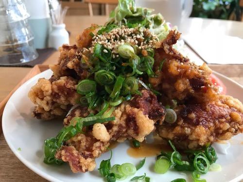 キッチンホリグチの日替わり定食・唐揚げの油淋鶏ソース(拡大写真)