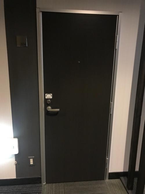 エクストールイン西条駅前の3階の和室タイプの客室ドア
