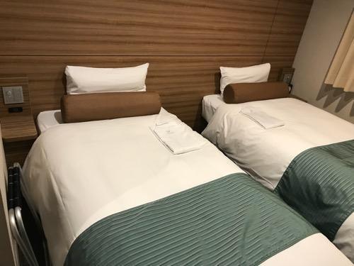 ヴィアイン名古屋新幹線口のエコノミーツインのベッド2台