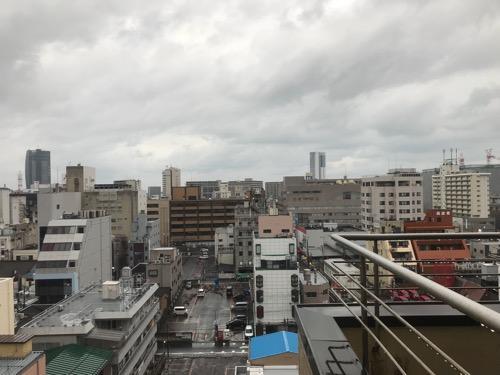新潟第一ホテル10階の部屋の窓からの眺め(朝)